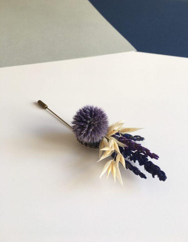 Boutonnière broche Adauque en fleurs séchées et stabilisées - Tons bleus