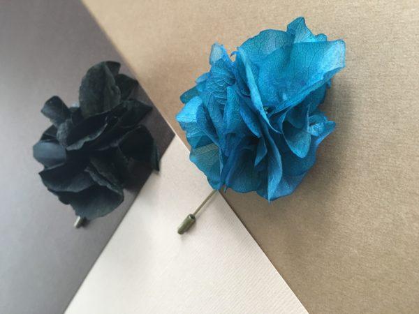 Boutonnière oeillet Nazaire en hortensia - fleur stabilisée