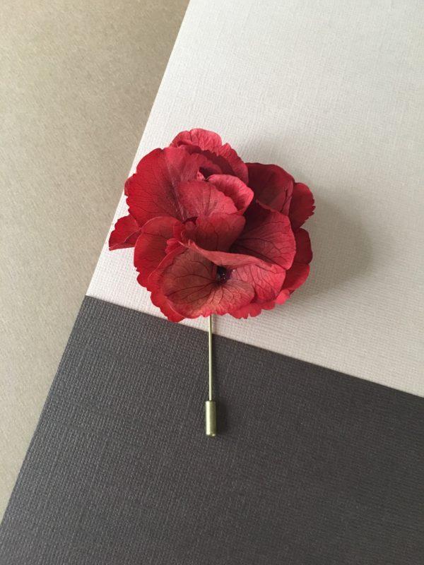 Boutonnière Oeillet Hermès en fleurs naturelles